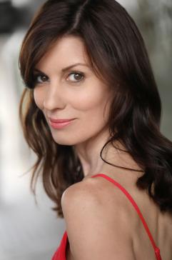 Angela Peters 2018 red